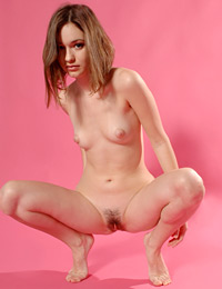 Model elize in pink shadow