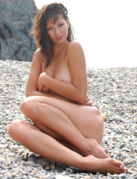 Model valeri in smooth pebbles